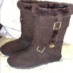 Girls fur boots, never worn
